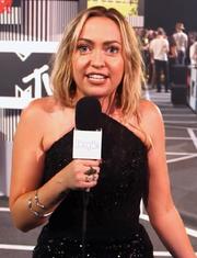 Brandi Cyrus VMA 2015