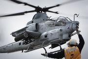 AH-1Z lands on USS Makin Island LHD-8