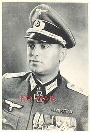 WWII-ORIGINAL-GERMAN-PHOTO-OFFICER-Richard-Bausch-KNIGHT.jpg