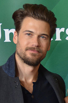 Nick Zano 2015 TCA (cropped)