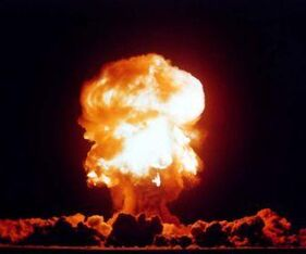 Nuclear explosions desktop 1476x915 wallpaper-401918