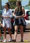 Miranda-kerr-has-an-afternoon-in-malibu-17