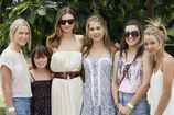 053030-supermodel-miranda-kerr-was-in-brisbane-for-a-kids-h-7076030-jpg