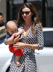 09784 Preppie Miranda Kerr out with baby Flynn at the nail salon 23 122 406lo