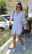 Miranda-kerr-has-an-afternoon-in-malibu-05