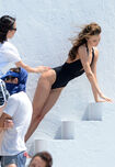 Miranda-kerr-shows-off-her-amazing-beach-body-during-a-photoshoot-2