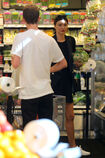 Miranda-Kerr-at-grocery-shopping-in-Malibu--01.jpg.23dfe800f54de13bd254bd4cf292e0e9