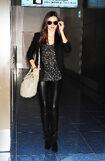 15988 Miranda Kerr at Tokyo Haneda Airport Japan January 27 2012 004 122 188lo