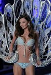 Victorias-Secret-Fashion-Show 4 1