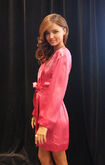 528002975-miranda-kerr-poses-backstage-at-the-gettyimages