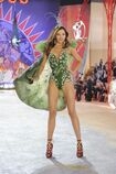 Miranda-Kerr-2-Victoria-Secret-Fashion-Show-2012