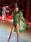 Miranda kerr at the 2012 victoria s secret fashion show nyc-675x900