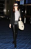 16013 Miranda Kerr at Tokyo Haneda Airport Japan January 27 2012 006 122 149lo