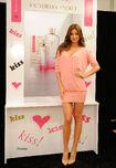 03078 Celebutopia-Miranda Kerr launches Victoria7s Secret5s Heavenly Kiss fragrance-14 122 689lo