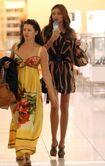 Miranda+Kerr+Miranda+Kerr+Out+Shopping+Sydney+lEyQr-x6cCHl