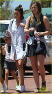 Miranda-kerr-has-an-afternoon-in-malibu-08