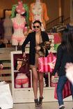 27796 celebrity-paradise com-The Elder-Miranda Kerr 2010-02-01 - shopping at Victoria Secrets 122 445lo