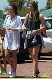 Miranda-kerr-has-an-afternoon-in-malibu-16