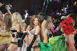 Miranda-kerr-2012-victoria-s-secret-fashion-show-inside-15