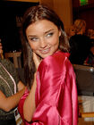 Australian-beauty-Miranda-Kerr-posed-pics-while-getting-dolled-up