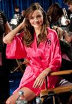 Miranda-kerr-2011-victoria-s-secret-fashion-show-07