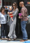 10696 Preppie Miranda Kerr out with baby Flynn at the nail salon 6 122 639lo