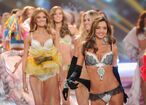 2012+Victoria+Secret+Fashion+Show+Runway+E4xe4lInxmvl