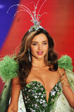 Miranda-Kerr-Victoria-Secret-Fashion-Show-2012-7