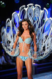 Miranda-Kerr-at-Victoria's-Secret-Fashion-Show-in-New-York-4