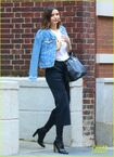 Miranda-kerr-rocks-leather-pants-as-she-leaves-nyc-in-a-helicopter-02.jpg.08a369859183b65324012e809e284bb9