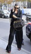 85673 Tikipeter Miranda Kerr is seen arriving at her hotel 004 122 194lo