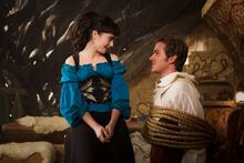 Armie-Hammer-and-Lily-Collins-in-Mirror-Mirror-2012-Movie-Image-3