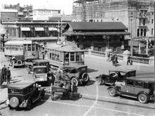 72-Congestion-on-Barrack-St-Bridge-1920s