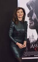 Australian-actress-essie-davis-luscious-stylish-arrives-new-york-premiere-assassin-s-creed-december-action-82505092