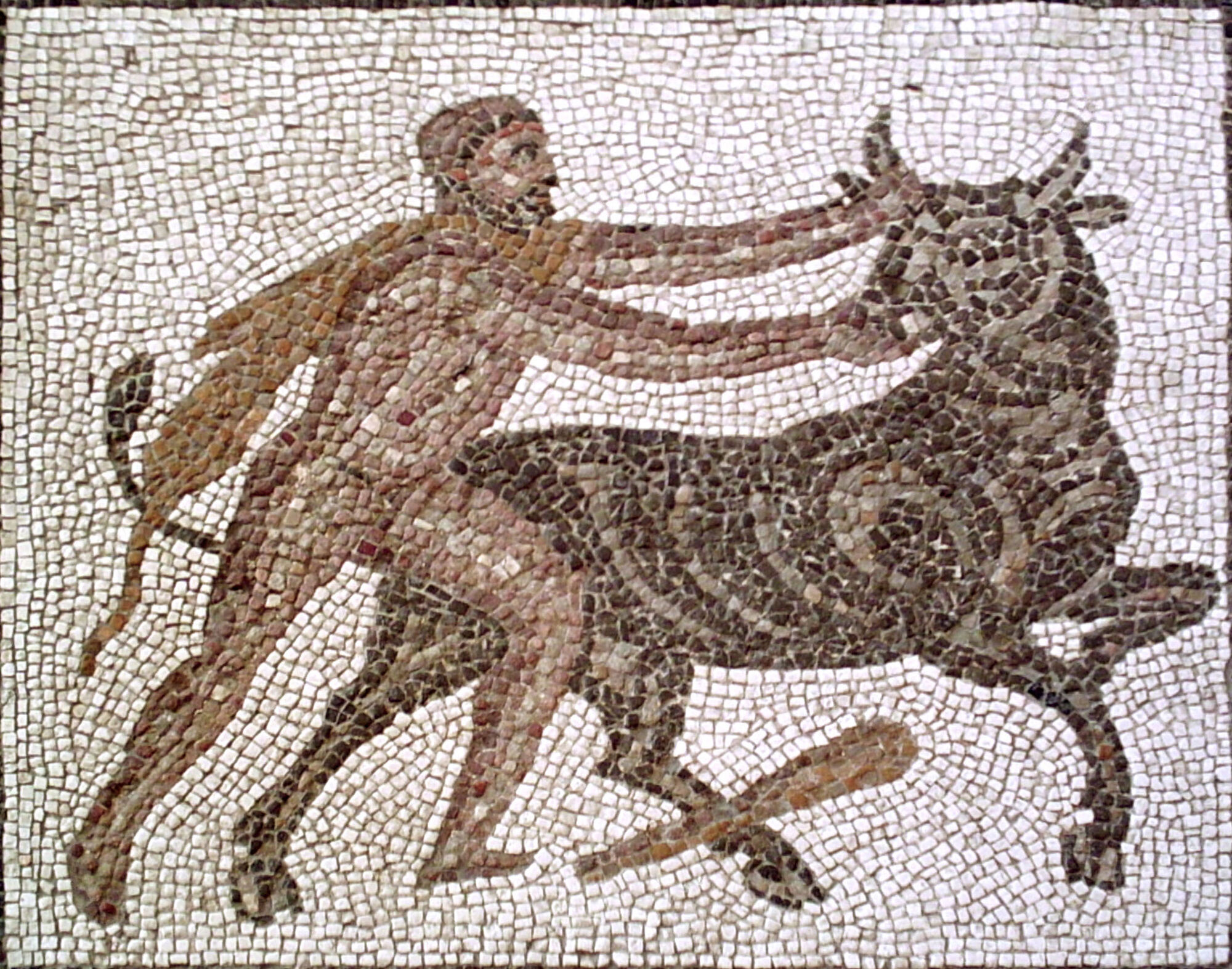 """Heracles y el origen de la expresión """"tomar el toro por los cuernos"""""""