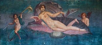 Aphrodite Anadyomene from Pompeii cropped