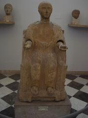 DSC00426 - Statua cineraria etrusca - Proserpina-defunta con melagrana- Foto G. Dall'Orto