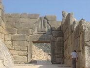 800px-Mycenae lion gate dsc06382