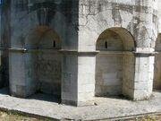 Theoderich Mausoleum, Ravenna Bogennischen Süd 2010-07-29