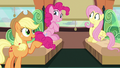 "Applejack ""already plannin' a parade"" S6E18.png"