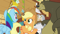 "Applejack ""she's a friend of mine"" S7E5"