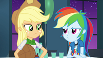 Applejack disapproves of RD's theme EG2
