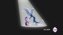Discord y twilight bailando