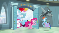 Pinkie --barely started your congratulation party-- S6E7