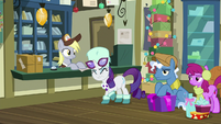 Rarity growling in irritation MLPBGE