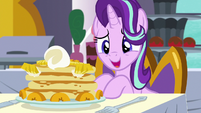 Starlight -I almost feel bad eating this- S7E10