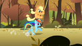 Applejack returns to the race S1E13.png