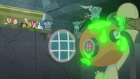 Daring Do calling out to Pinkie Pie S7E25