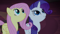 Fluttershy and Rarity find tapestries S4E03