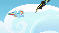 Rainbow sees Midnight Strike flying past her S3E07